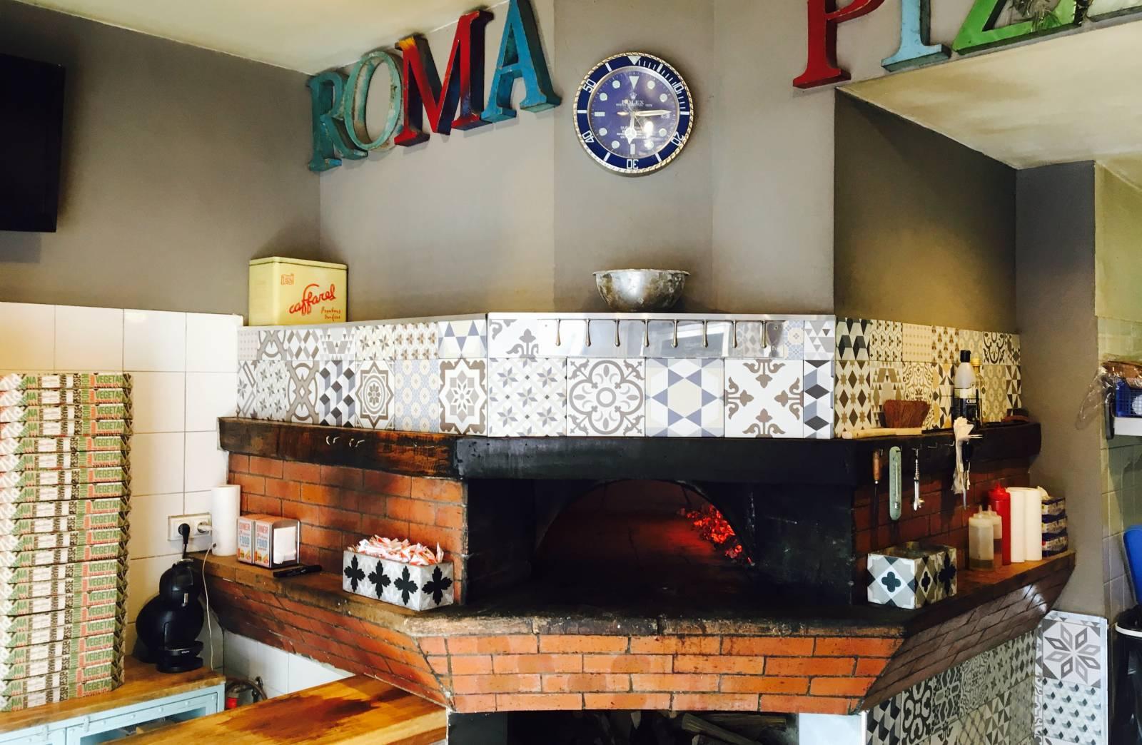 livraison de pizza au feu de bois marseille 13008 roma pizza. Black Bedroom Furniture Sets. Home Design Ideas